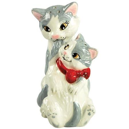 Kittens Hand Painted Ceramic Magnetic Salt and Pepper Shaker Set