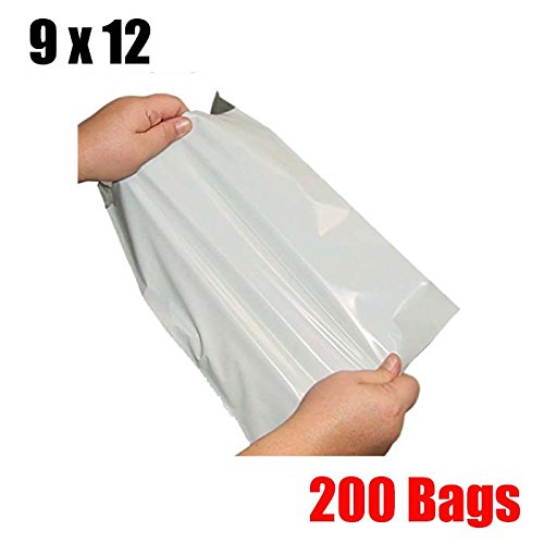 white poly mailers envelopes