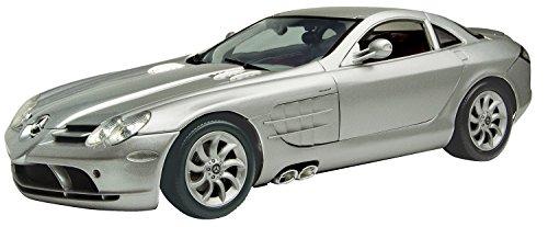 Motormax 1:12 Die-Cast 2004 Mercedez-Benz SLR McLaren