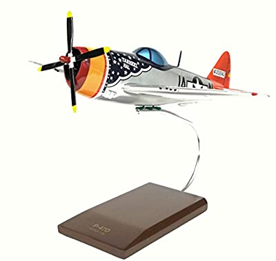 "Mastercraft Collection P-47D Thunderbolt ""Tarheel Hal"" Scale: 1/32"