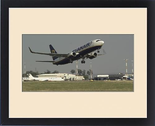 framed-print-of-boeing-737-800-ryanair