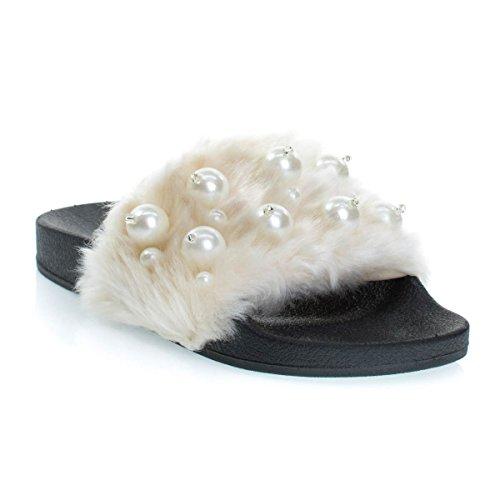 Scivolo Di Soda Con Bulbo Oculare Su Slip On Pantofole Furry Con Perle Beige