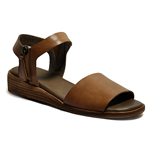 Gee Wawa Footwear Women's Patricia Tan 8.5 M