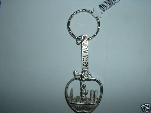 New York Silver Keychain Keyring Shaped as an Apple and Inside there is the Statue of Liberty,Twin Towers,Empire State Building