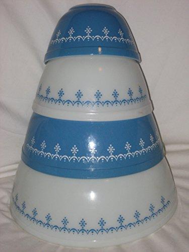 (4 Piece Set - Vintage Pyrex Snowflake Mixing Nesting Batter Bowl)