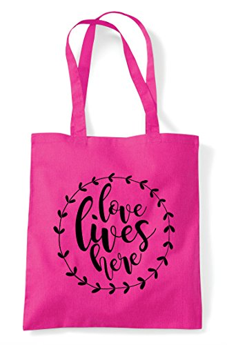 Fuschia Shopper Simple Bag Statement Here Lives Love Wreath Tote z1FwT7qqx