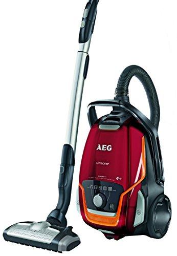 AEG UltraOne UOENERGY+/VX9-1-FFP Staubsauger mit Beutel EEK A (850 Watt, 5 L Staubbehältervolumen, inkl. Hartbodendüse, 12 m Aktionsradius, waschbarer Allergy Plus Filter) Bodenstaubsauger rot