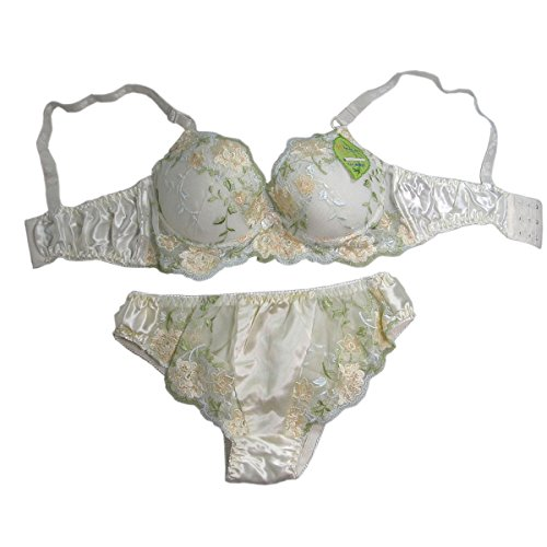 One Light Green Pure Silk Lacy Underwire Thinly Padded Bra Set -