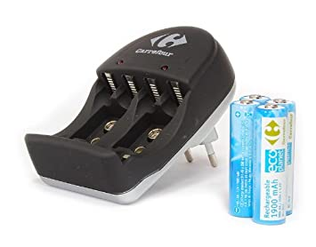 Carrefour - Uniross - Chargeur batteries 1,2V AA/AAA/9V + 4