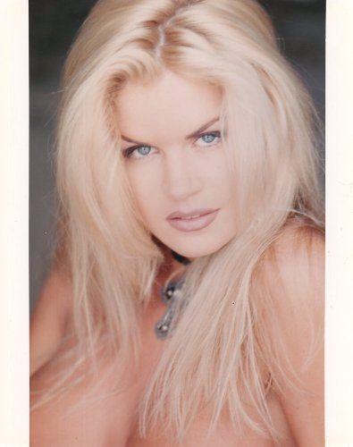 Neriah Davis 8x10 Glossy Photo F835 At Amazons Entertainment Collectibles Store