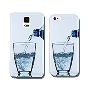 pour water into a glass cell phone cover case iPhone6