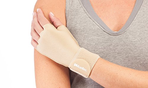 Mueller Sports Medicine - Mueller Sports Medicine Compression Glove, Small/Medium, 0.095 Pound