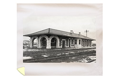 Lantern Press Klamath Falls, Oregon - Exterior View of The Southern Pacific Depot 13026 (88x104 King Microfiber Duvet Cover) (Depot Barrel Home Fiber)