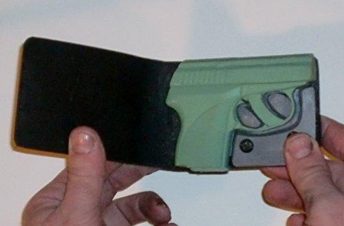 Wallet Holster for Full Concealment - Seecamp LWS .32 (Bl...