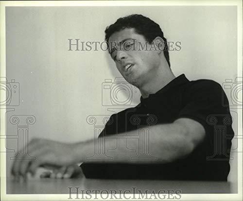 - Vintage Photos 1993 Press Photo U.S. Olympic Gold Medal Swimmer Matt Biondi in Albany, New York