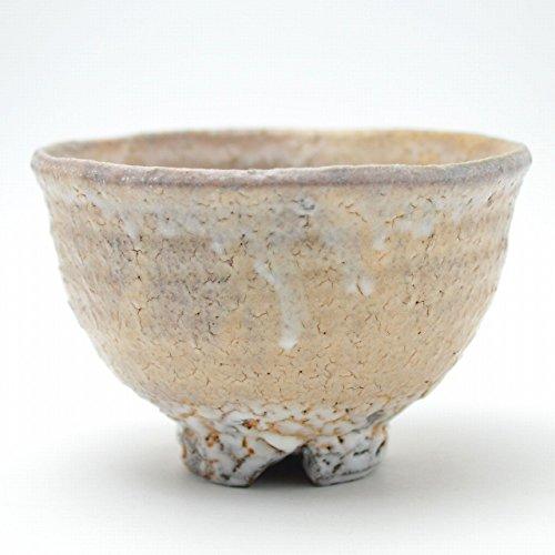 Japanese ceramic Hagi yaki (Hagi-ware) made by Kohei Tanaka. Matcha chawan tea bowl.