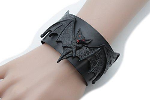 [TFJ New Men Women Halloween Fashion Jewelry Black Metal Cuff Bracelet Long Wings Bat Animal] (Hot Halloween Costumes For Guys)