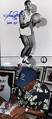 Sam Jones NBA 50 Autographed Shooting Pose 8x10 Photo - Autographed NBA Photos 50 Shooting 8x10 Photo