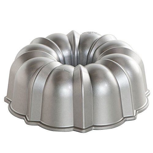Nordic Ware Bundt Pan and Cooling Rack Set