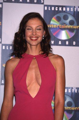 Ashley Judd Sexy Dress Revealing Busty 2000 Candid Press Photo 35Mm (2000 Press Photo)