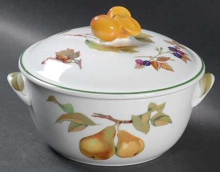 China Fine China Casserole (Royal Worcester Evesham Vale 1 Pt Round Covered Casserole, Fine China Dinnerware)