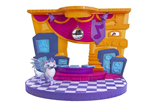 Playset with Exclusive Diamond Arctic Wolf (Online Scratch Off Games)