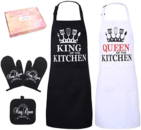 BOWINR Mr and Mrs Aprons for Couple, Cotton Apron with Oven Mitts, Potholder & Gift Box, Funny Couple Gifts for Engagement Wedding, Anniversary, Valentine's Day, Bridal Shower(King & Queen)
