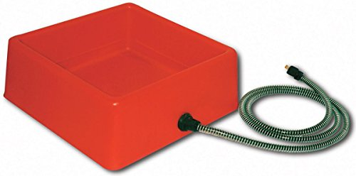 Farm Innovators Model D-19 1-1/4-Gallon Heated Water Bowl for Chickens, 60-Watt