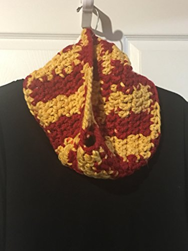 Bulky Knit Cowl, Team Spirit Colors ()