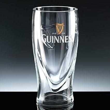 c07f0b8bd51b Vaso de cerveza de pinta Guinness grabado personalizado adorno de ...