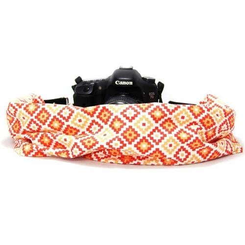 Capturing Couture SCARF-GEOC Geovanie Scarf Collection Camera Strap, Coral (Collection Coral)