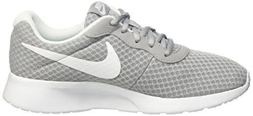 Nike Tanjun - Zapatillas para mujer, color gris lobo / blanco