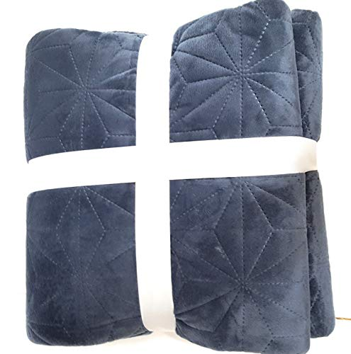 main-stay Solid Mink Quilt Size Twin/Twin XL (Washed Indigo)