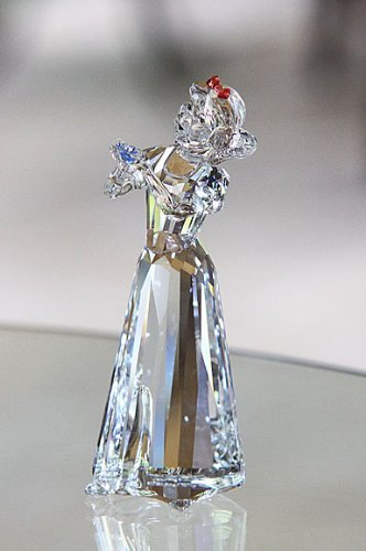 121aa2c16e01 Amazon.com  Swarovski Crystal Disney Figurine Snow White  994881 ...