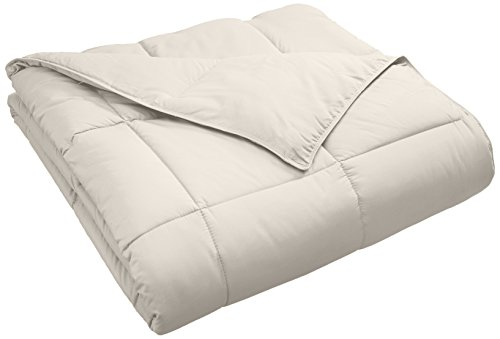 Superior classic All-Season downward suggested Comforter having Baffle Box Construction, Warm Hypoallergenic Filling - Full/Queen Comforter, Ivory