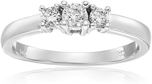 14k Gold Round 3-Stone Diamond Ring (1/4 cttw, I-J Color, I1-I2 Clarity)