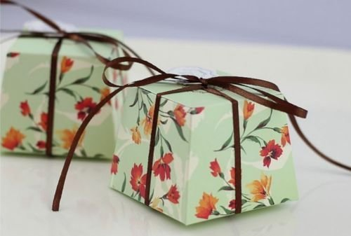 [The Pecan Man 50pcs Floral Trapezoid Candy Boxes Wedding Themed Gift Sweets Green] (Easy But Cute Halloween Treats)