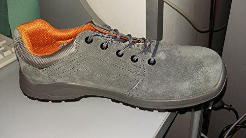 7211pg 40-sapatos Em camurã ‡ a, perfurados