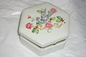 Avon 1983 Holiday Greetings White Porcelain Trinket Box Dove and Floral Design