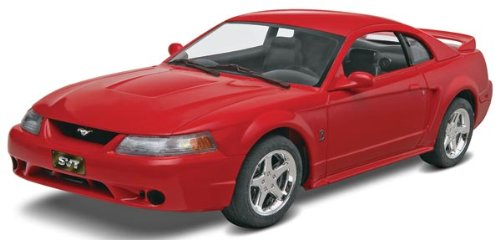 (Revell Monogram '99 Mustang SVT Cobra Plastic Model Kit)