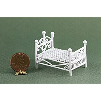 Amazon Com Dollhouse Miniature White Wire Bed 1 24 Scale Toys Games