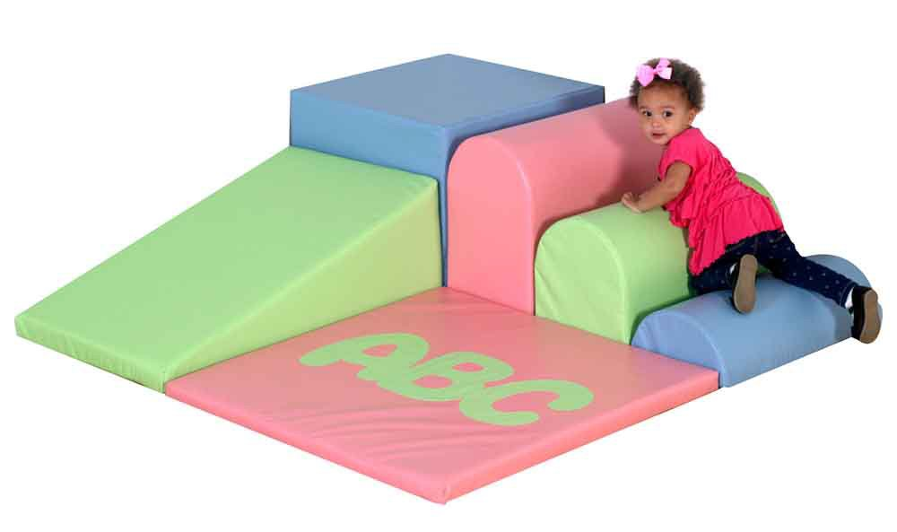 ABC Soft Mini Corner Color: Pastel Green/Pastel Pink/Pastel Blue