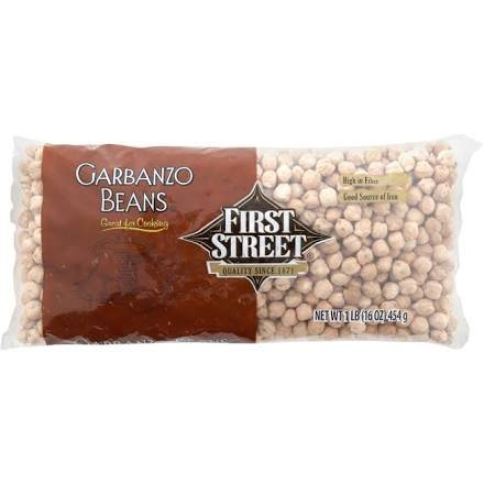First Street Garbanzo Beans, 16 oz (Single) by First Street