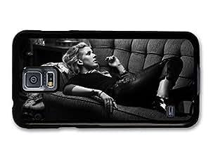 AMAF ? Accessories Ellie Goulding Singer Portrait on a Sofa case for Samsung Galaxy S5