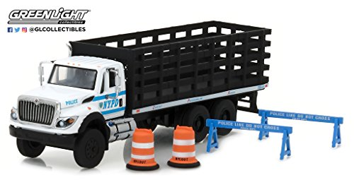 Greenlight 1:64 SD Trucks Series 2 2017 International Platform Stake Truck NYCPD