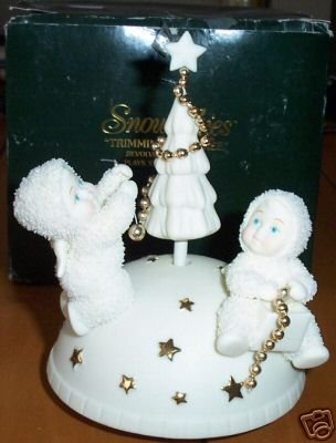 Department 56 Snowbabies Trimming the Tree Revolving Music Box Plays O Tannenbaum
