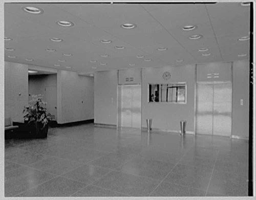 1963-photo-liberty-mutual-life-insurance-co-444-merrick-rd-lynbrook-long-island-entrance-foyer-to-el