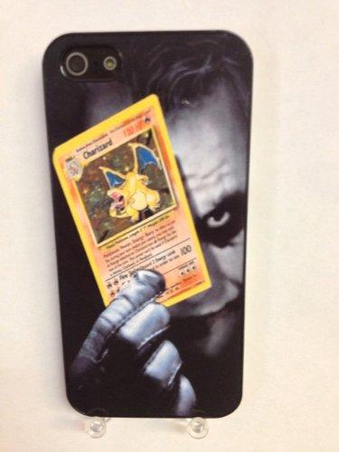 (629bi4) Joker Holding Charizard Pokemon Card iPhone 4 /4S Black Case