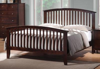 Coaster Tia Queen Spindle Bed in Cappuccino