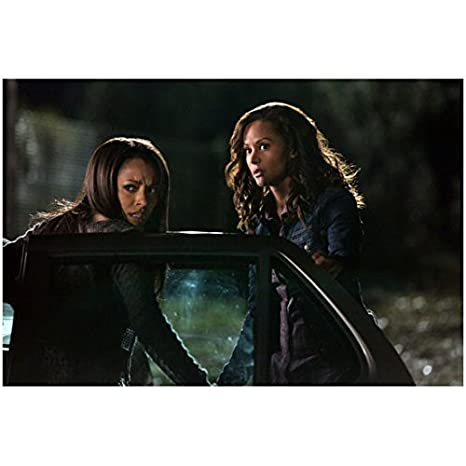 The Vampire Diaries Kat Graham Getting Out Of Car With Persia White